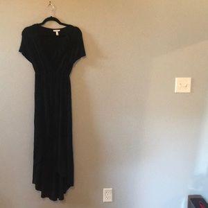 Liz Lange Black Maternity/Nursing dress